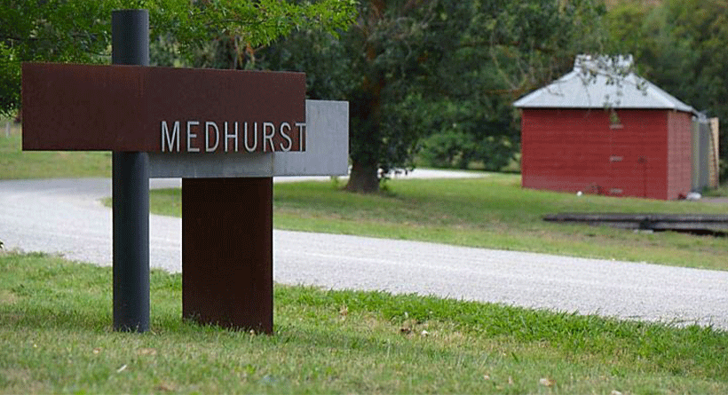Medhurst Winery Entrance
